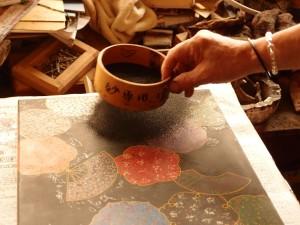 伝統技法 : 漆 津軽塗 紋紗塗